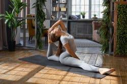 Как быстро сесть на шпагат в домашних условиях: 10 минут в день