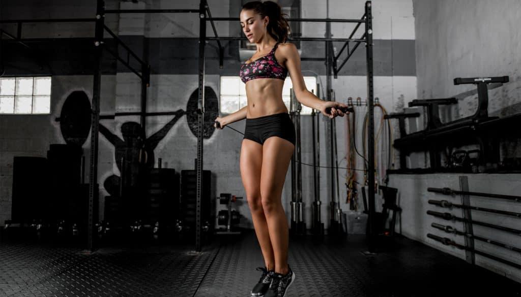 Прыжки на скакалке: польза и режим тренировок