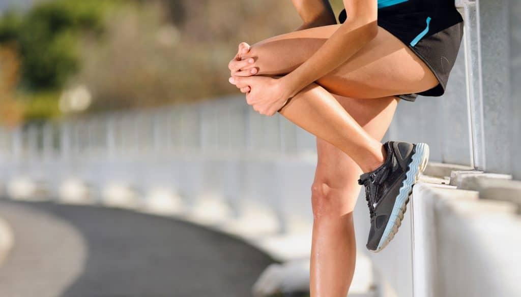 Как правильно приседать чтобы не повредить болели колени